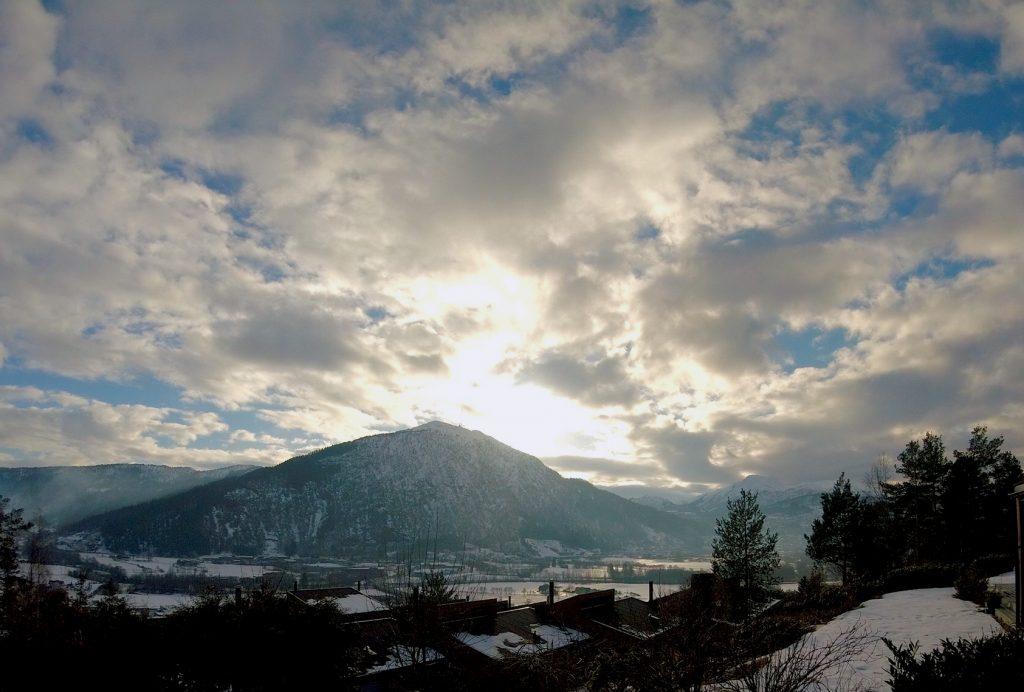 Når ikkje skodda ligg tjukt eller regnet auser ned, er alle einige om at Sunnfjord er igrunn ganske vakkert