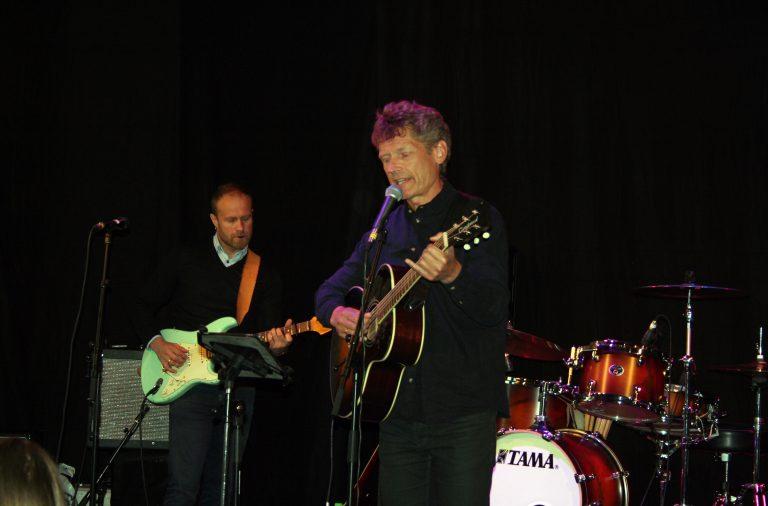 Leder Ketil Størdal fremførte sjøldikta sang